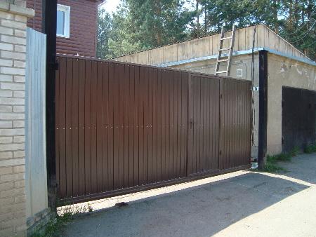 Ворота откатные, профлист и решетки  в Красноярске