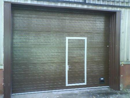 Ворота секционные гаражные в Красноярске